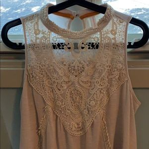 Lace cream Flowy top